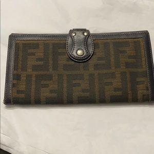 🔥Authentic Fendi long wallet